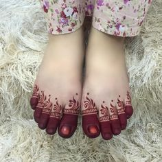 Simple ❤️ Thanks for having me and may Allah bless u dear ❤️ Mehndi Designs Feet, Indian Henna Designs, Legs Mehndi Design, Mehndi Designs 2018, Stylish Mehndi Designs, Mehndi Designs For Beginners, Mehndi Design Pictures, Dulhan Mehndi Designs, Wedding Mehndi Designs