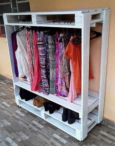 15 Pallet Furniture DIY- 15 Pallet Furniture DIY Furniture doesn't have to be all expensive. Certainly with great pricing, you'll get higher quality and unique designs. But, if you just want a normal furniture, you can consider making… - Pallet Furniture Wardrobe, Diy Pallet Furniture, Diy Pallet Projects, Wood Furniture, Pallet Ideas, Pallet Dresser, Pallet Cabinet, Furniture Plans, Diy Furniture Cheap
