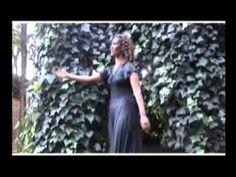 Oromo love and cultural music song Irrikum jedhii nabarsiisi biyyaa Oromia. Africa. Ethiopia http://www.youtube.com/watch?v=qnKCksqEggs
