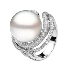 YOKO London white gold ring set with diamonds and a large white cultured pearl. Yoko London at London Jewelers - Americana Manhasset - New York High Jewelry, Pearl Jewelry, Diamond Jewelry, Jewelry Rings, Jewelry Accessories, Jewelry Design, Pearl And Diamond Ring, Pearl Ring, White Gold Jewelry