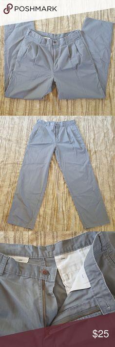 Dockers Classic Fit Khaki Gray Pants 34x32 Dockers 34x32  Classic fit khaki pants in excellent condition. Dockers Pants Chinos & Khakis