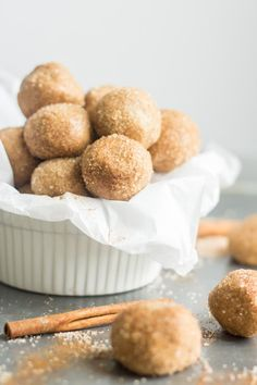 All hail these delicious bite-sized Snickerdoodle Protein Balls! These easy, no-bake balls are filled with cinnamon and packed with protein. Throw all of the ingredients in your food processor and roll them into balls for an on-the-go snack. Healthy Protein Snacks, Protein Bites, Diabetic Snacks, Protein Ball, Healthy Snacks For Diabetics, Energy Bites, Protein Foods, Healthy Treats, Arbonne Protein Bars