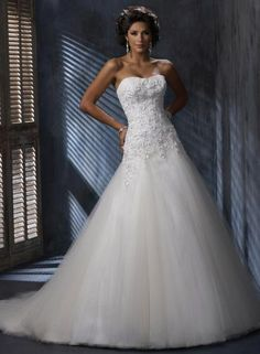 24146a7060a1 Maggie Sottero Nora - romantické svadobné šaty v