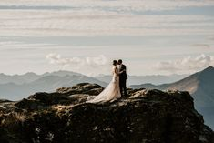 Zach + Jordan's Heli Elopement Wedding at Cecil Peak | Simply Perfect Weddings - Queenstown Wedding Planners Elope Wedding, Wedding Day, Elopement Wedding, Flower Room, Top Of The World, Perfect Wedding, Central Otago, Wedding Planners, Weddings