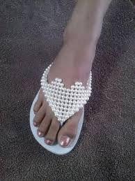 Resultado de imagem para chinelos de coração de perola