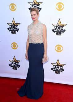 Pin for Later: Seht Taylor Swift, Nick Jonas und alle anderen Stars bei den ACM Awards Beth Behrs