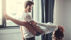 Chcete se v novém roce dostat ze své komfortní zóny a vyzkoušet něco nového? S touto erotickou výzvou posunete vlastní i partnerovy hranice – a odhalíte, co jste vlastně zač. Troufáte si na třicetidenní sexy plán?