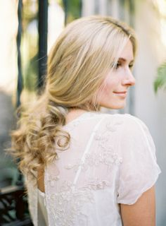 Loose Curls Bridal Hair Ideas | photography by http://jenhuangphoto.com/