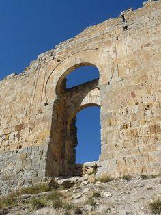 Gormaz-PUERTA SUR - Castillo de Gormaz - SORIA Wikipedia, la enciclopedia libre