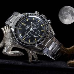 Nederlands geleverde Omega Speedmaster Professional ref. uit Full moon asks for a Omega Speedmaster from Price: including 2 years - Spiegelgrachtjuweliers. Amsterdam Shopping, Omega Speedmaster Moonwatch, Speedmaster Professional, European Tour, Vintage Omega, Best Model, Luxury Watches, Vintage Watches, Omega Watch