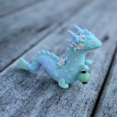 Finally making another lantern dragon! This one is a water lily dragon I'm going to try and paint water/cloud patterns on her once I get her cleaned up! by thelittlemew Polymer Clay Dragon, Cute Polymer Clay, Cute Clay, Polymer Clay Miniatures, Polymer Clay Charms, Clouds Pattern, Cute Crafts, Clay Projects, Clay Creations