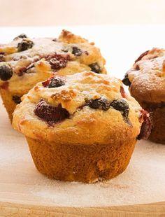Pofonegyszerű diós-meggyes muffin   femina.hu