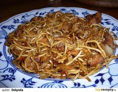 1) Na oleji lehce osmahneme cibulku, česnek (doporučuji jen lehce nakrájet, né nadrobno). 2) Přidáme na drobno nakrájená kuřecí prsa a smažíme... Top Recipes, Asian Recipes, Ethnic Recipes, Easy Cooking, Cooking Recipes, European Cuisine, Blueberry Bread, Czech Recipes, Food 52