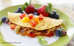 Gourmet Girl Cooks: Bacon Vidalia & Tomato Omelet - An Epic Low Carb Sunday Breakfast