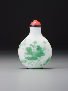 An inscribed emerald-green and white glass snuff bottle Li Yunting, probably Yangzhou, 1860–1900