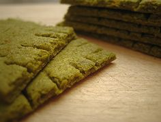Buttery_Kale_Crackers_Main