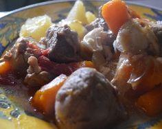 Ragout de porc bonne femme Pot Roast, Baked Potato, Sausage, Potatoes, Beef, Baking, Ethnic Recipes, Prince, Food