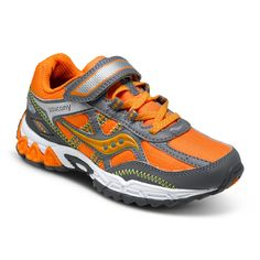 Saucony Excursion in Orange/Grey. #boysrunningshoes #boysshoes #topsellingboyshoes #sauconyexcursion