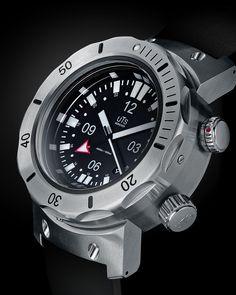 UTS 4000m GMT Diver