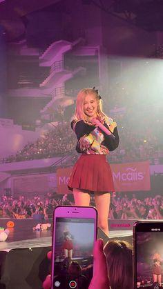 Melanie Martinez, South Korean Girls, Korean Girl Groups, Billie Eilish, Foto Rose, Blackpink Members, Rose Icon, Rose Park, Kim Jisoo