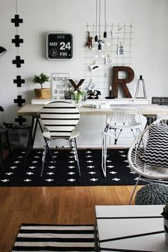 Black and white office. Would be great with little pops of color, here and there. WANT THE CLOCK!!