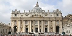 Pope Francis waves as he arrives to lead his Wednesday general audience at Saint Peter's Square at the Vatican March 19, 2014. REUTERS/Stefano Rellandini (VATICAN - Tags: RELIGION) - RTR3HQXT