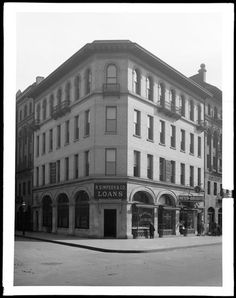 1978 Broadway at the S.E. corner of West 67th Street. R. Simpson and Co. Building.