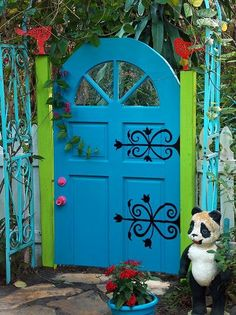 Catherine's 'Tentmaker's House' Catherine's brightly painted gate