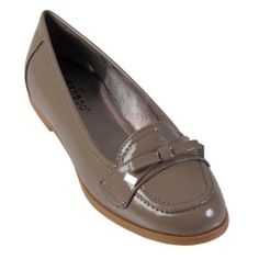 Hailey Jeans Co Womens Patent Bow Accent Loafers Hailey Jeans Co.. $19.99