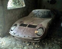 Absolute tragedy - Abandoned Miura $20m car.