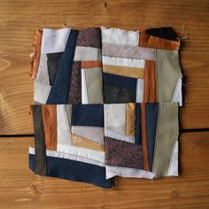Quilting Projects, Sewing Projects, Crumb Quilt, Textiles Techniques, Contemporary Quilts, Linen Bag, Fabric Art, Diy Clothes, Quilt Blocks
