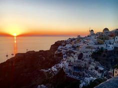 The beautiful Oia sunset #santorini #oia