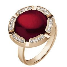 Chaumet....I'm not a fan of god jewelry but I love this ring