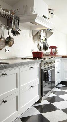 Landelijke witte keukenopstelling