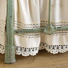murmuring cottage ~ bedskirt ~ iron bed ~ umla: (via . Linen Bedroom, Linen Bedding, Bedding Sets, White Bedroom, Bed Linens, Dust Ruffle, Ruffles, Manta Crochet, Linens And Lace