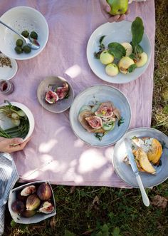 Summer tartines - ricotta, prosciutto and something sweet - | Cannelle et Vanille |
