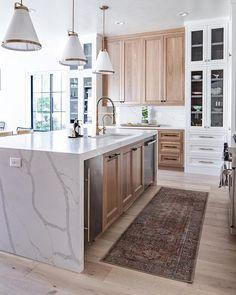 Kitchen Living, New Kitchen, Glass Kitchen, Living Room, Kitchen Island, Kitchen Cabinets, Kitchen Interior, Kitchen Decor, Kitchen Runner