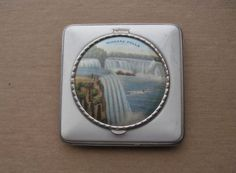 NIAGARA FALLS COMPACT Vintage DOUBLE Collectible 1930s-1940s HONEYMOON with Wear