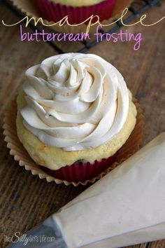 Simple recipe for light and fluffy Maple Buttercream Frosting, so easy and delicious!