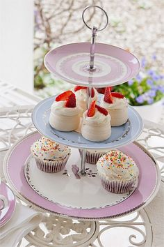 BB3TP1 3 tiered blue and pale lavender cup cake stand. What a gorgeous addition to your event $10 to hire for 7 days