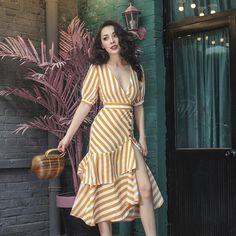 Le Palais Vintage's Coppa Cabana Orange Sherbet Striped Dress - Le Palais Vintage's Coppa Cabana Orange Sherbet Striped Dress Cute Dresses, Casual Dresses, Short Dresses, Casual Outfits, Summer Dresses, 90s Fashion, Fashion Dresses, Fashion Trends, Fashion Black