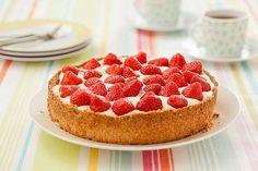 Inspiratie nodig om zelf een taart te bakken? Met dit recept maak je een heerlijke aardbeientaart.