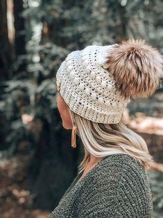 Women/'s  Loopy Flower Ear WarmerHeadband  Azalea