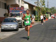 El panameño Jorge Castelblanco gana Maratón Internacional de Panamá, en la que participaron más de 1500 atletas.