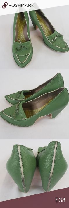 """Camper green oxford pump pointed bow size 40 Camper green oxford pump pointed bow.  Size 40 Heels 3"""" Camper Shoes Heels"""