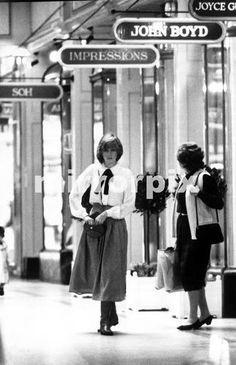 Princess Diana And Charles, Princess Diana Fashion, Princess Diana Pictures, Princess Diana Family, Princess Of Wales, Real Princess, Lady Diana Spencer, Spencer Family, Elizabeth Ii