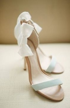 Adorable wedding heels with bow embellishment.