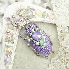 Автор @evis_owl_jewelry 〰〰〰〰〰〰〰〰〰〰〰〰〰〰 По всем вопросам обращайтесь к авторам изделий!!! #ручнаяработа #брошьизбисера #брошьручнойработы #вышивкабисером #мастер #бисер #handmade_prostor #handmadejewelry #brooch #beads #crystal #embroidery #swarovskicrystals #swarovski #купитьброшь #украшенияручнойработы #handmade #handemroidery #брошь #кольеручнойработы #кольеизбисера #браслеты #браслетручнойработы #сутажныеукрашения #сутаж…