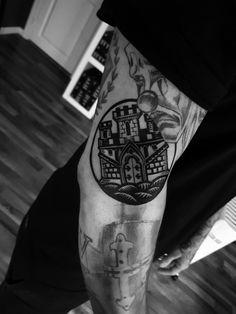 Shield of Bergen done by @rustemhorzum at @tattoostudio115 Bergen, Norway