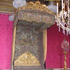 King Louis XIII gold bedroom Versailles  FR